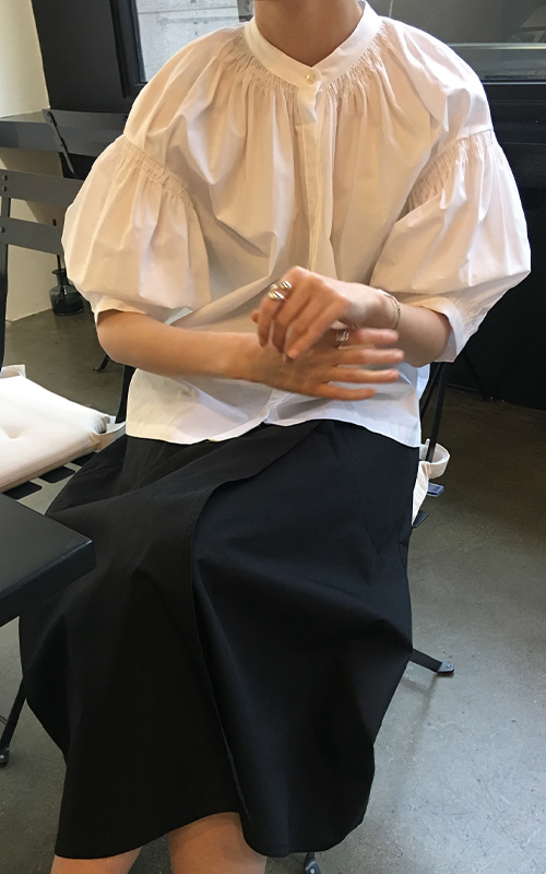 [SEASON OFF 10%] Puff Sleeve Shirring Blouse_White(당일 발송)