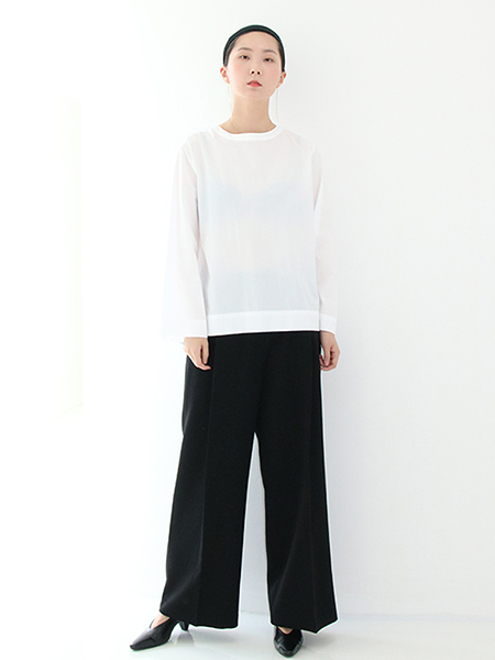 [SEASON OFF 20%] Back Button Flare Blouse_White,Black