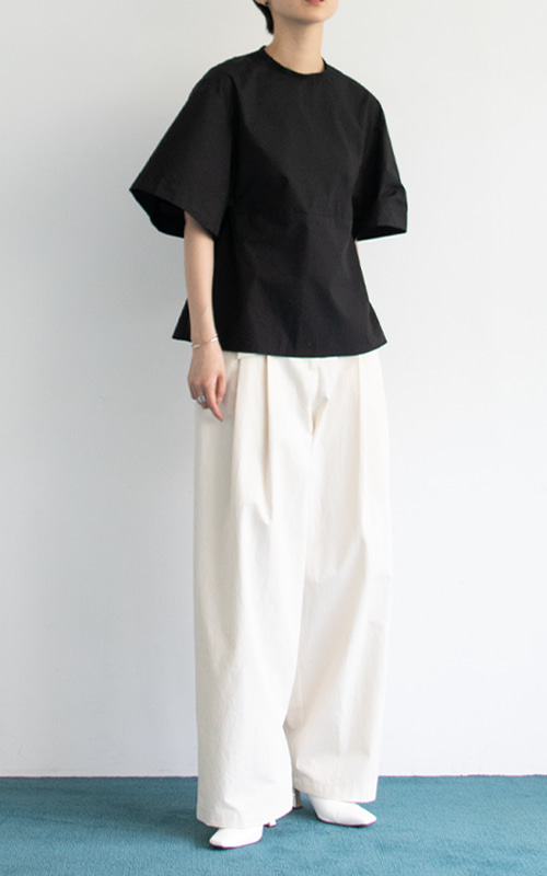 Back Point Ribbon Blouse_Black